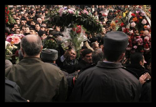 Aliyev Mourners 3