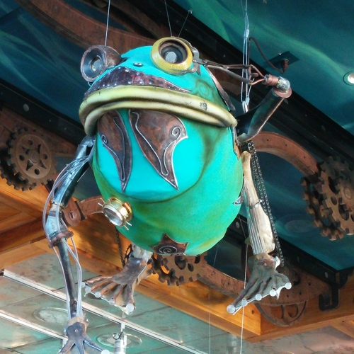 fantastical frog ironworks sculpture in Memphis
